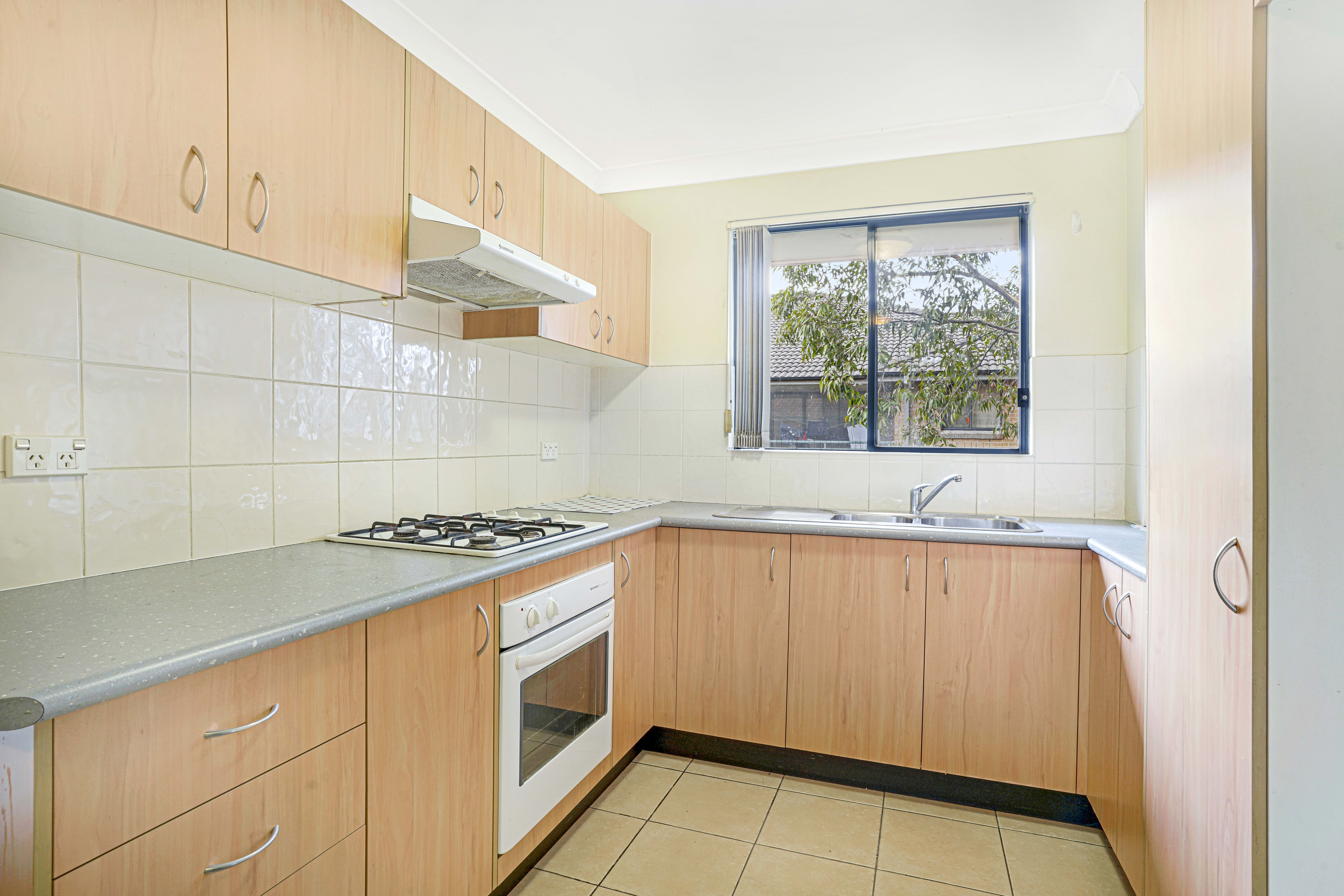 24/8 Hythe St, Mount Druitt, NSW 2770