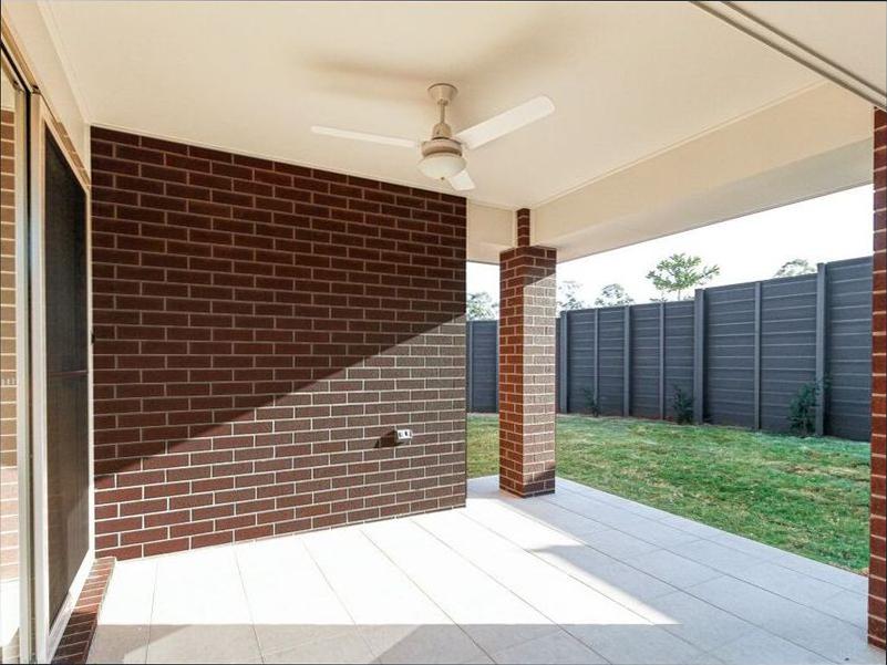 1 Attenborough Circuit, North Lakes, QLD 4509